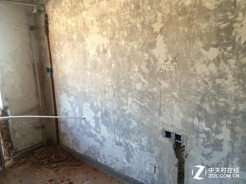 数据精确,把家具尺寸记录在墙上,便于施工