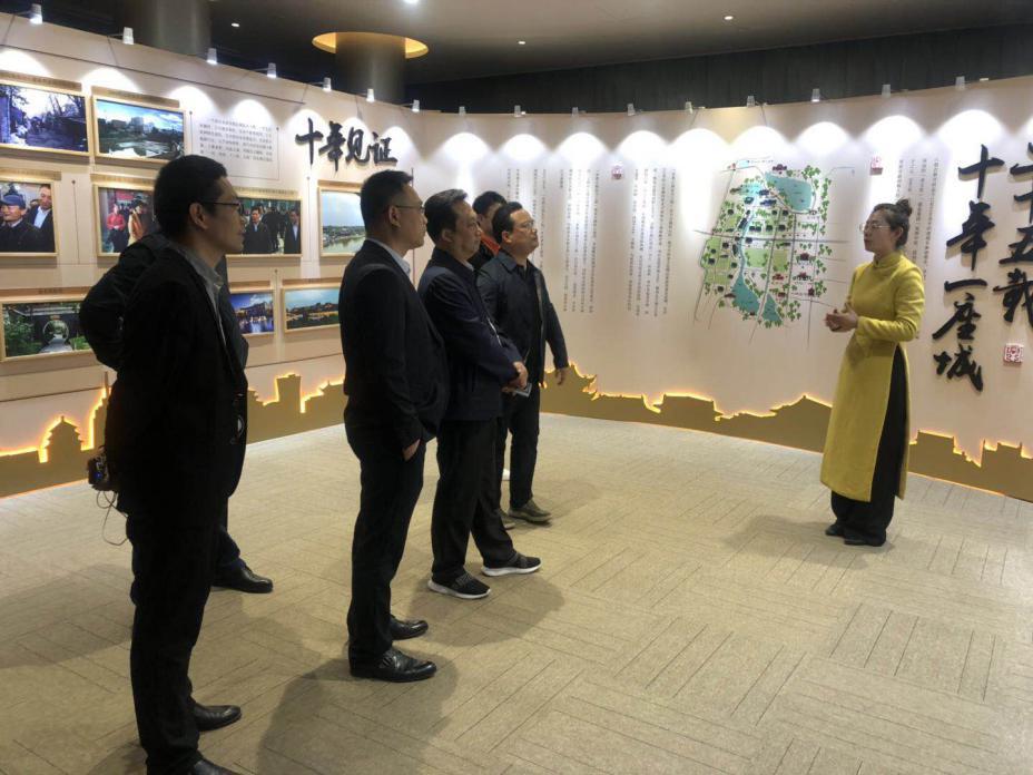 潢川县政府领导赴郑州、开封、许昌等地深入考察建业集团